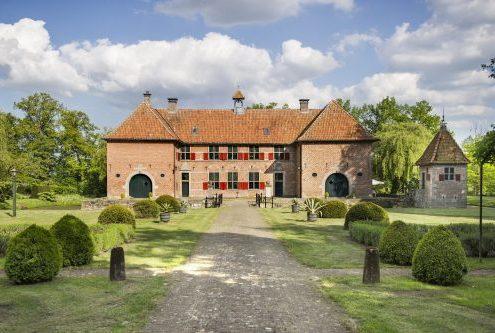 Tuin van de maand april 2021: Tuin rondom Huis ten Breckelenkamp in Dinkelland, Twente
